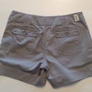 Levi's Green Shorts, Size 8